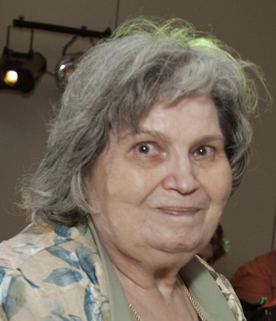 Zdzislawa Theresa Holubecki